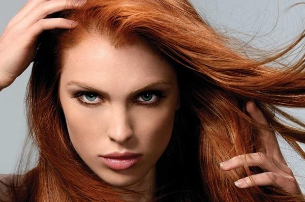 Светлые оттенки коричневого подойдут для рыжих волос