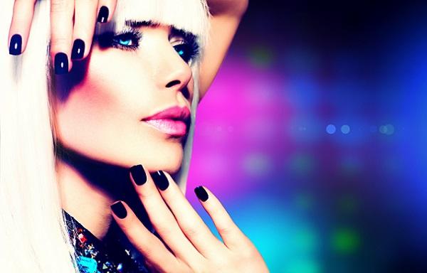 Для создания тематического и праздничного макияжа потребуются особые навыки