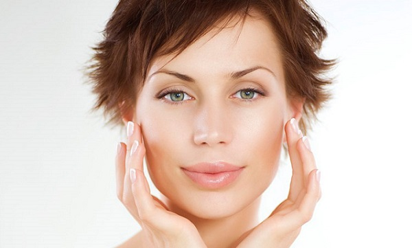 Правильно подобранный консилер с тональным кремом сделают кожу гладкой и скроют все недостатки