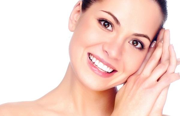Добиться идеального внешнего вида кожи можно с помощью тонального крема