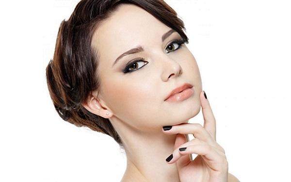 Умение подчеркнуть брови поможет сделать макияж более изящным