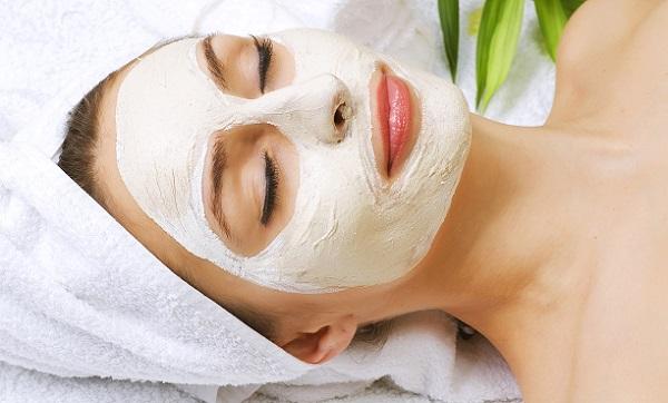Кислородную маску можно приготовить на основе белой глины