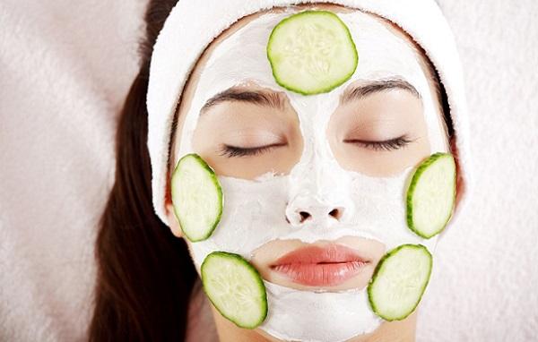 Огурцы со сливками являются доступными ингредиентами для приготовления простой маски