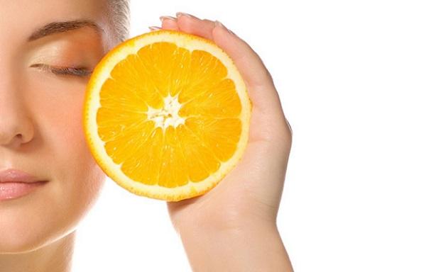 Для тонизирования кожи также применяется апельсин