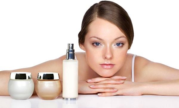 Уход за кожей лица требует правильного выбора подходящей косметики