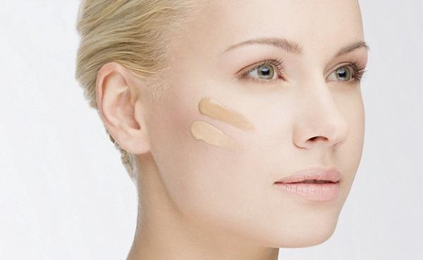 Иногда может потребоваться смешивание тонов, чтобы подобрать соответствующий оттенку кожи