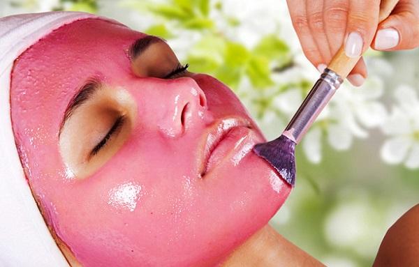 Клюквенная маска поспособствует омоложению кожи лица