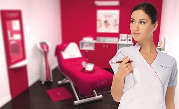Чтобы верно выбрать средство для ухода за лицом, можно обратить за консультацией к косметологу