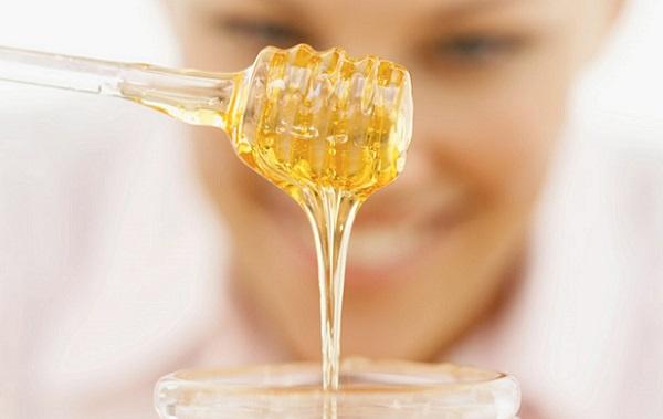 Для лучшего эффекта от аспириновой маски следует добавить меда