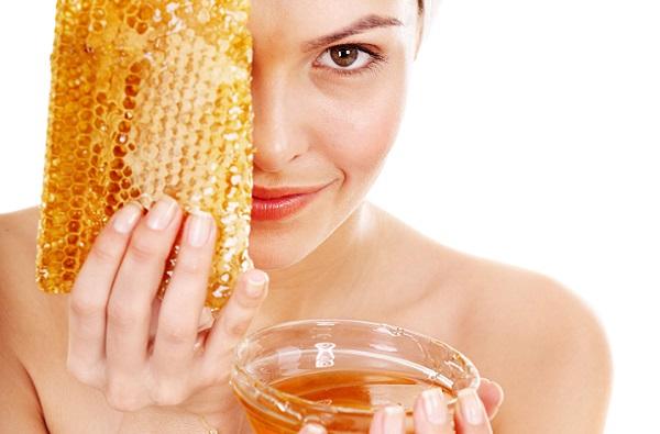 Добавление к маске меда положительно скажется на состоянии кожи лица