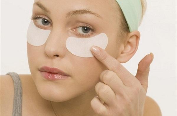 Маски с плацентой помогают избавиться от мешков под глазами