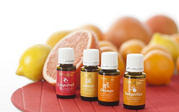 Для ухода за любым типом кожи можно подобрать подходящее эфирное масло