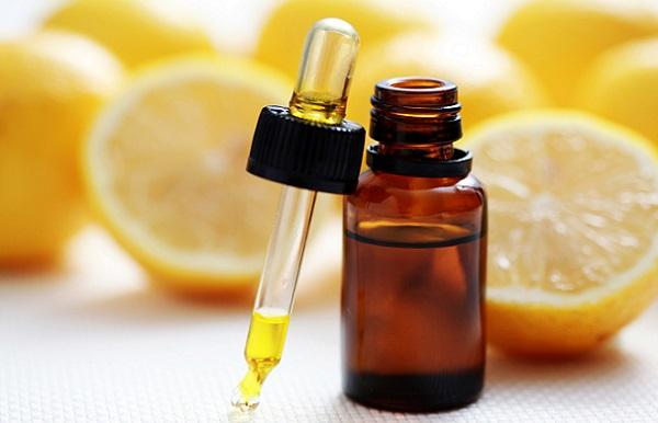 Добиться омолаживающего эффекта можно с помощью масок на основе лимонного масла
