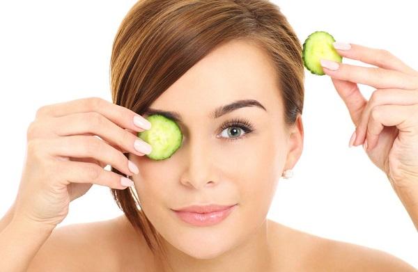 Для очищения кожи используются маски с оливковым маслом и огурцом