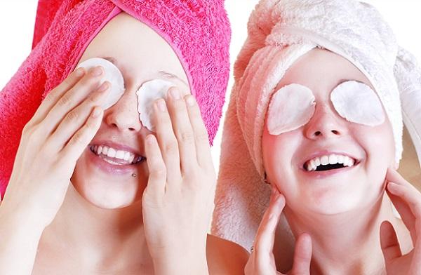 Для ухода за всей областью вокруг глаз также применяются плацентарные маски